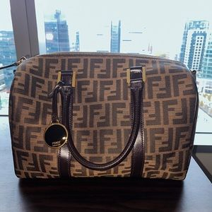AUTHENTIC FENDI PURSE! Excellent Condition!